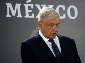 AMLO apuesta que la economía de México crecerá en 2020, pero los especialistas tienen otros datos