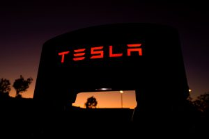 Trabajadores de Tesla revelan 6 cosas que los clientes deben saber sobre sus coches