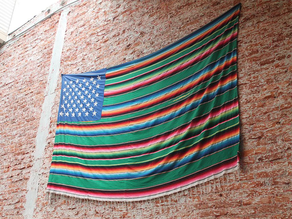 bandera méxico estados unidos pinche gringo warehouse