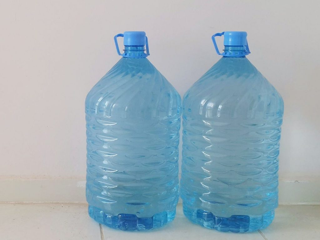 garrafon galón de agua para beber