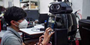 """""""Ninja"""", el robot médico tailandés que lucha contra el Covid-19"""