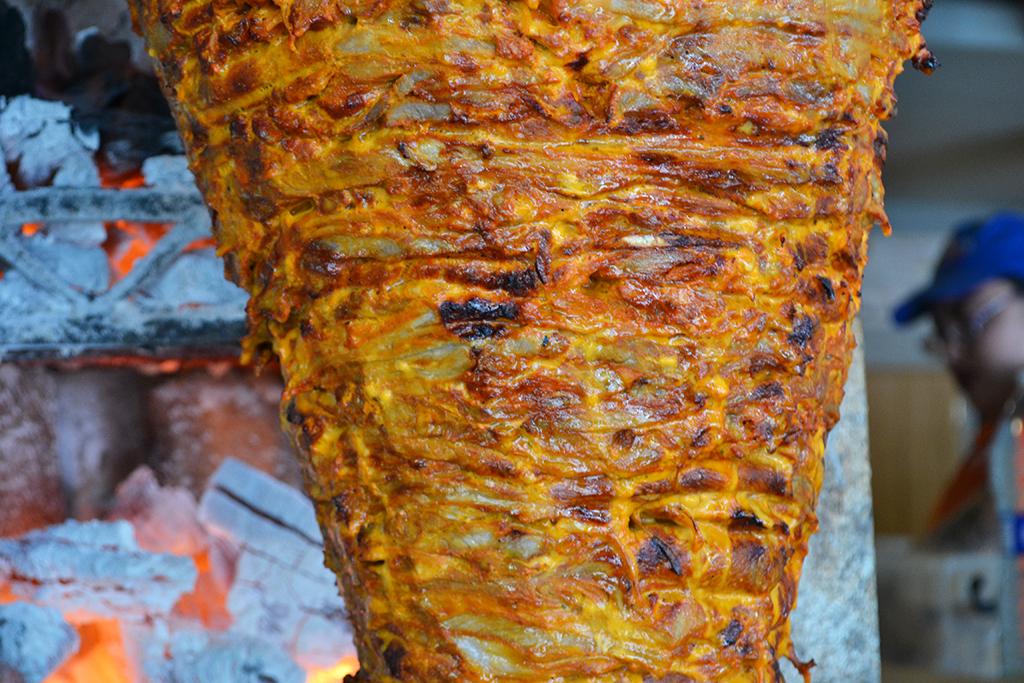 trompo de pastor horno de carbón tacos El Tizoncito