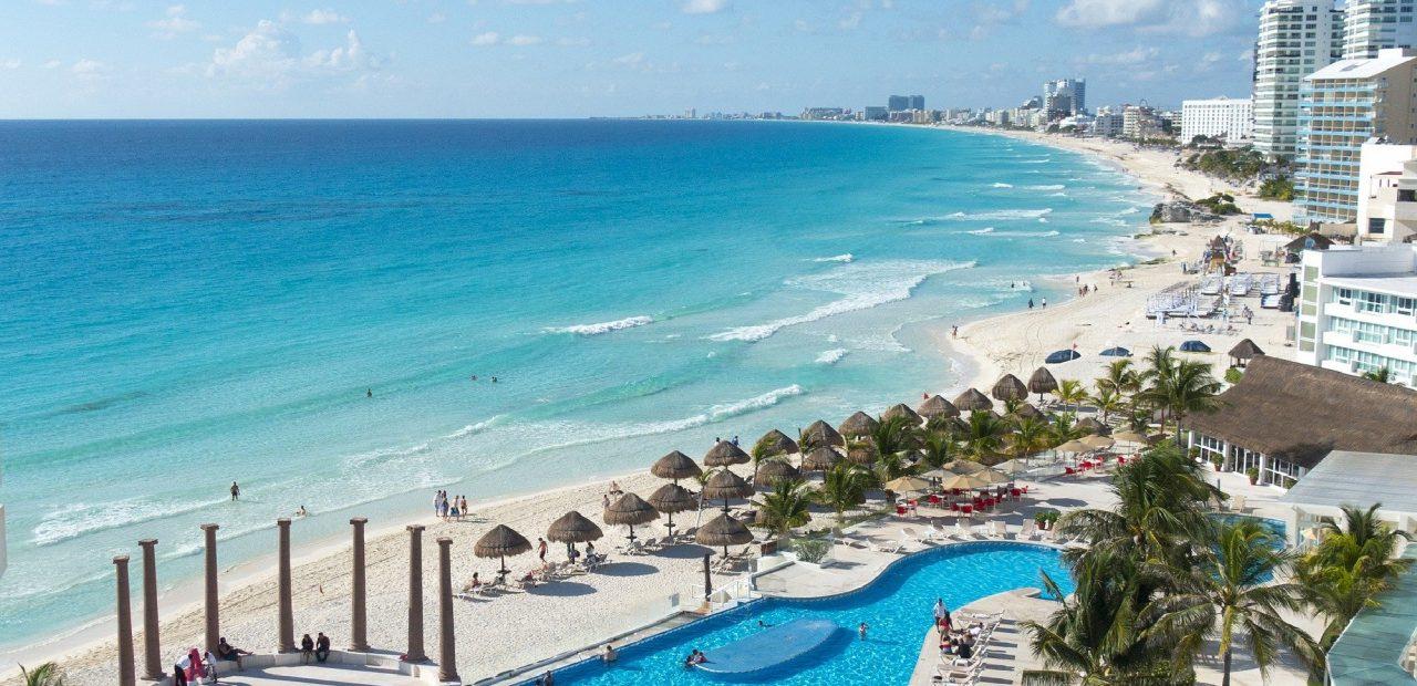 Cancún hoteles cierran por coronavirus turismo
