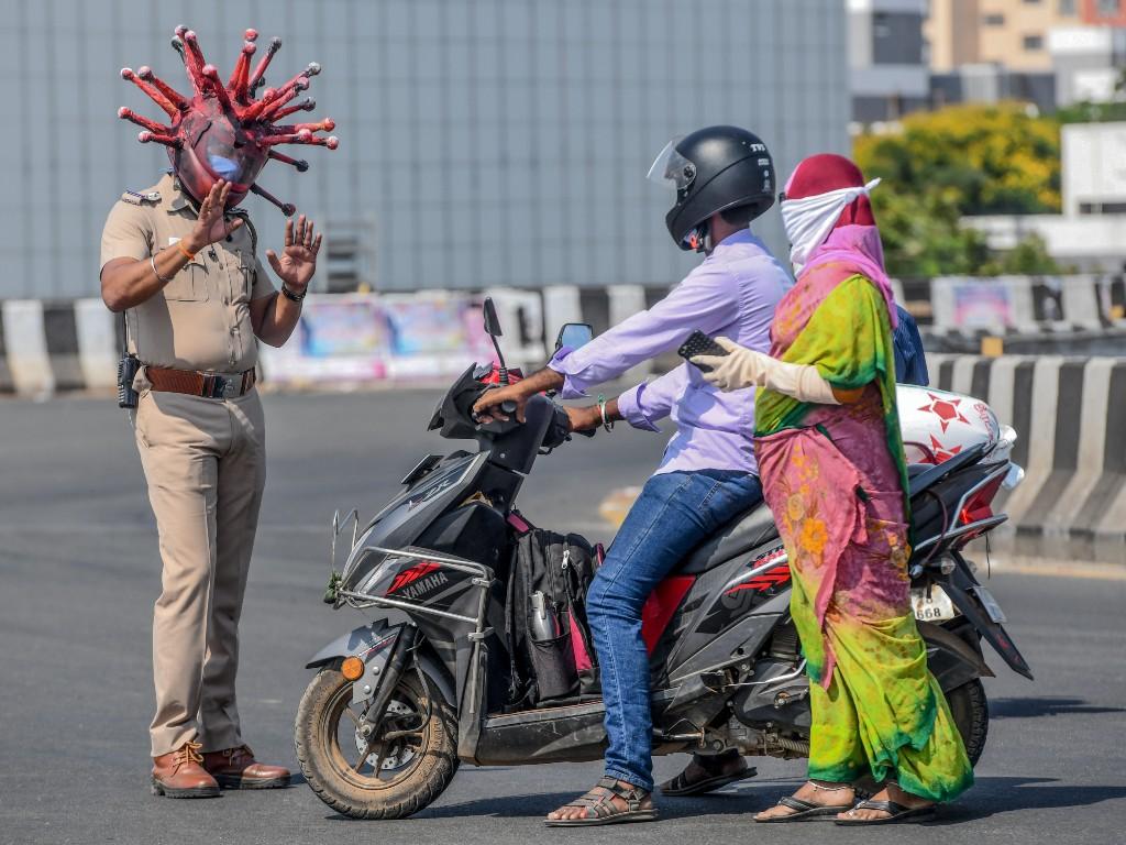 policía India pandemia coronavirus