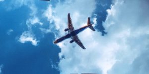 La principal asociación de transporte aéreo pide reglas comunes para reactivar los vuelos comerciales tras la pandemia de coronavirus