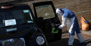 Un estudio revela cuáles son los empleos con más alta mortalidad por coronavirus (sin contar al personal de salud)