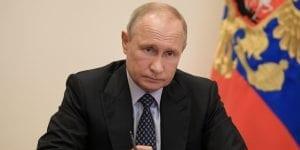 Vladimir Putin pierde popularidad mientras busca afianzar su poder en Rusia — otros regímenes autocráticos están en la misma situación por la crisis del coronavirus