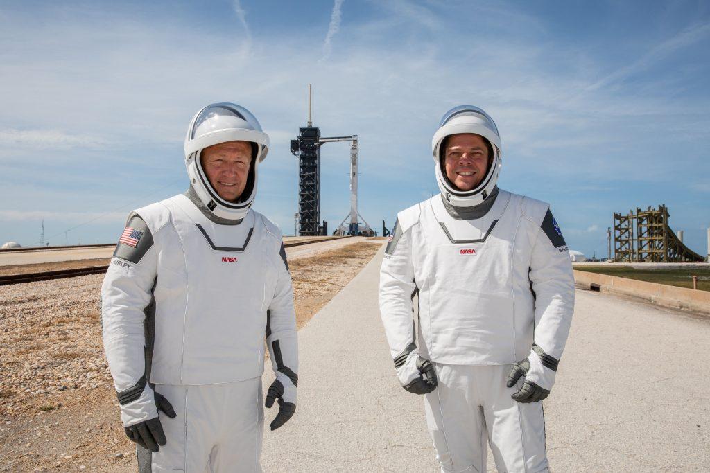 Los astronautas  Douglas Hurley y Robert Behnken