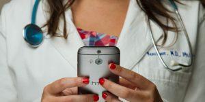 Masterdcard y AXA se unen para crear SaludYa, la nueva aplicación de video consultas médicas