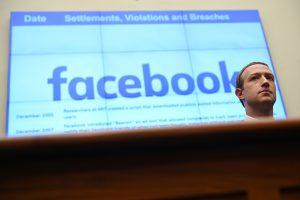 Empleados de Facebook no están contentos con la defensa de Zuckerberg al polémico mensaje de Trump marcado por Twitter como «engañoso»