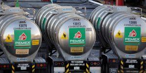 México rechaza recortar más su producción de crudo para apuntalar los precios; una explicación es que los ingresos petroleros del país están en su peor nivel en 20 años.