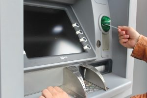 Todas las sucursales bancarias abrirán a las 10 am…pero los horarios de cierre son distintos. Checa el de tu banco