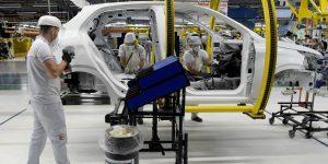 Colapso en las industrias automotriz y de energía hundirán el comercio internacional en 20% este año