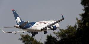 Aeroméxico niega cualquier intención de declararse en bancarrota – pero sus acciones cayeron más de 6% por los rumores