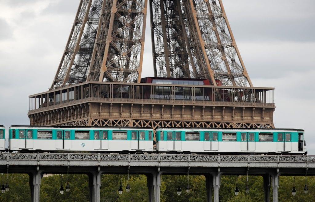 Vista del segundo nivel de la Torre Eiffel que reabre tras pandemia por coronavirus covid-19   Business Insider Mexico