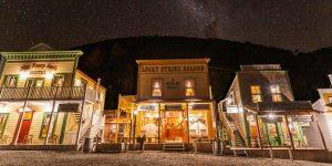 Toda una ciudad inspirada en el viejo oeste de Estados Unidos se encuentra en un remoto valle de Nueva Zelanda, y acaba de llegar al mercado por 7.5 millones de dólares
