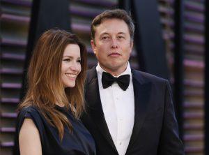 """Talulah Riley, ex esposa de Elon Musk, niega que Ghislaine Maxwell la contratara como """"novia infantil"""" para el CEO de Tesla y SpaceX"""