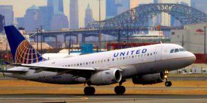 ¿Viajas por United Airlines? Seguramente notarás menos personal en tu próximo vuelo