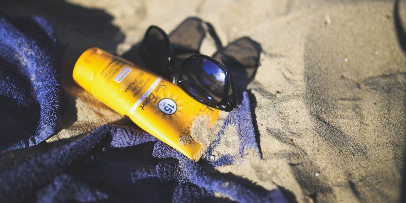 10 áreas de tu piel donde debes aplicar protector solar, según dermatólogos