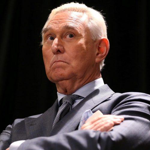 Conoce a Roger Stone, el asesor del Partido Republicano al que Trump conmutó una sentencia de prisión — que cumpliría por mentir sobre la interferencia rusa en las elecciones de 2016
