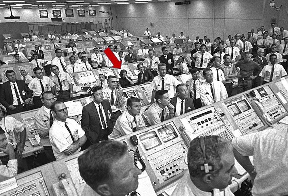 JoAnn Morgan en el cuarto de lanzamineto del Apolo 11