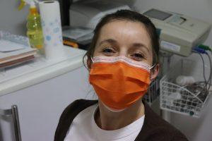 Las mujeres son los soldados de primera línea en la batalla contra el coronavirus, pero todavía no les pagamos tanto como los hombres
