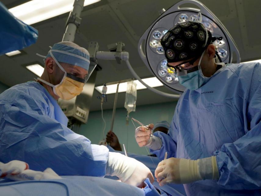 asistentes quirurgicos