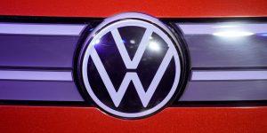 Volkswagen pide a sus empleados en Puebla reconsiderar sus demandas de alza salarial, mientras el sindicato amaga con ir a huelga el 18 de agosto