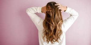 Los científicos pueden determinar qué comes, cuánto ganas y qué tan saludable estás analizando tu cabello, según estudio