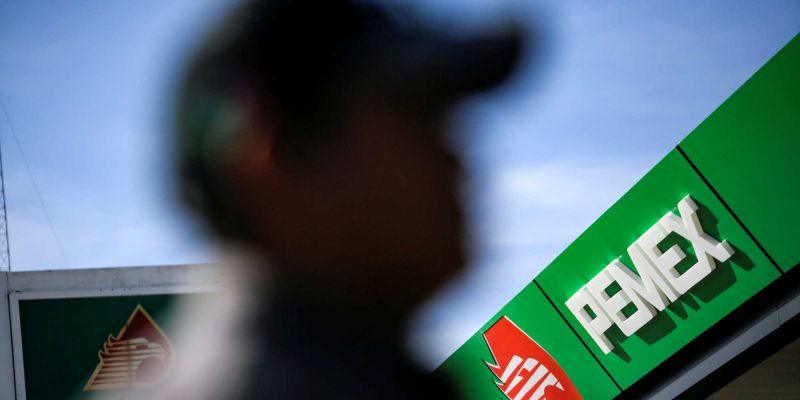 El precio del petróleo cae después de 5 meses de máximos por dudas sobre la demanda — y esas son malas noticias para México