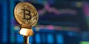 Bitcoin alcanza niveles de casi 12,000 dólares y los analistas prevén que llegue a más