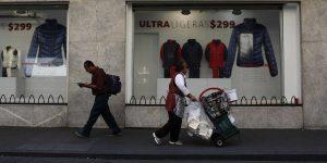 En la nueva normalidad, los consumidores reportan menos confianza para comprar ropa, electrodomésticos, automóviles o una casa