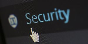 Los ciberdelincuentes no necesitan tener contraseñas para robar a empresas —así son algunos de los nuevos ataques informáticos, según el conocido hacker Chema Alonso