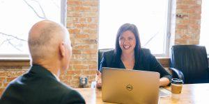 Guía para hablar con tu jefe si crees que necesitas más libertad para realizar tu trabajo — y cómo la pandemia ha abierto esta puerta