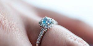 El mercado de reventa de anillos de compromiso está en auge, ya que la pandemia del Covid-19 ha aumentado la tasa de divorcio