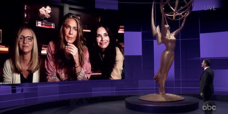 """Así fue el mini reencuentro de """"Friends"""" entre Jennifer Aniston, Courteney Cox y Lisa Kudrow durante los Premios Emmy 2020"""